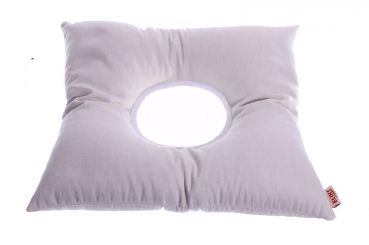 Poduszka do siedzenia z otworem wypełniona gryką