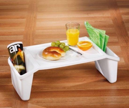 Stolik do łóżka z przegródkami