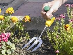 Widelec ogrodniczy z ergonomiczną rączką