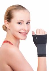 Elastyczna opaska na nadgarstek z ujęciem kciuka Softsport