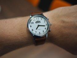Mówiący zegarek naręczny