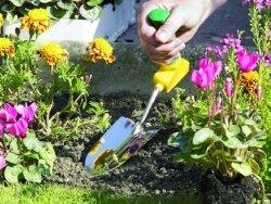 Kielnia ogrodnicza z uchwytem kątowym