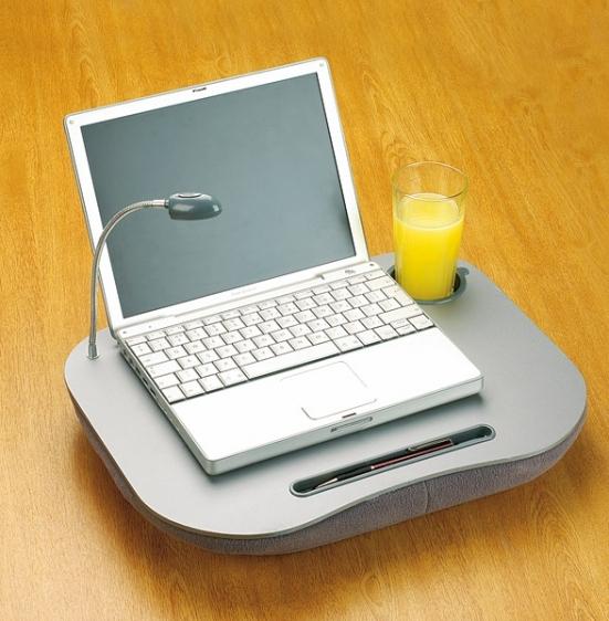 Stolik - poduszka pod laptopa