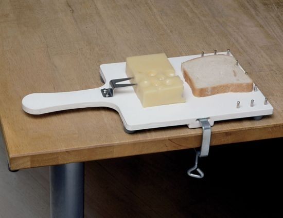Deska do krojenia z mocowaniem do stołu